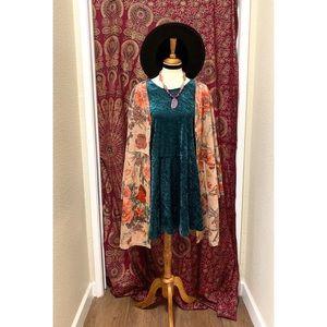 🌈 Amazing Vintage velvet dress